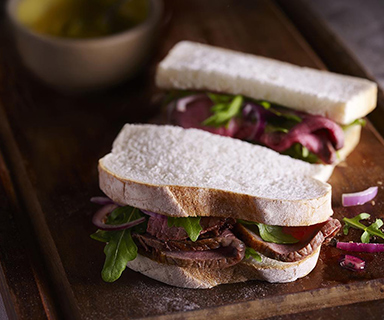 Warburtons Beef and Balsamic Onions Sandwich