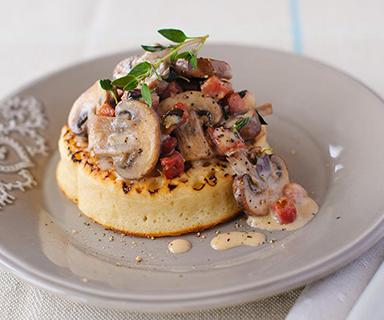 Warburtons Garlic Mushrooms with Pancetta Crumpets