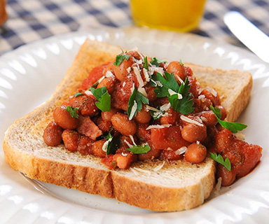 Warburtons High Fibre Sticky Beans on Toast