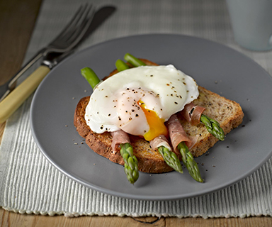 Warburtons Poached Egg and Parma Ham Dippers