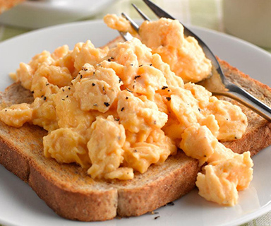 Warburtons Scrambled Egg on Toast