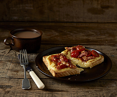 Warburtons Welsh Rarebit with Pancetta and Tomatoes